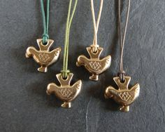 Handmade ancient roman bird amulet pendant necklace por ferosferio, $28.00