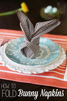 NAPKINS: How to fold bunny napkins