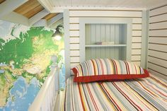 young hous, bed, world maps, kid rooms, old houses