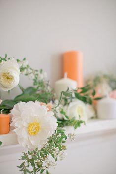 photo by jeremy harwell//flowers by amy osaba colour candl, loos flower, inspir, peach, ami osaba, flower ideas, mantl, garland
