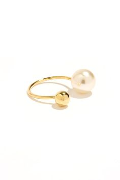 gold pearl ring / lulu's