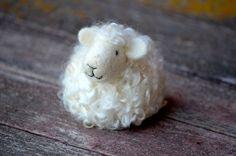 Sheep - White wool needle felted lamb - needle felted animals