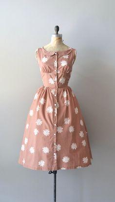 vintage 1950s dress / cotton 50s dress / #fashion #floral #dress #1950s #partydress #vintage #frock #retro #sundress #floralprint #petticoat #romantic #feminine