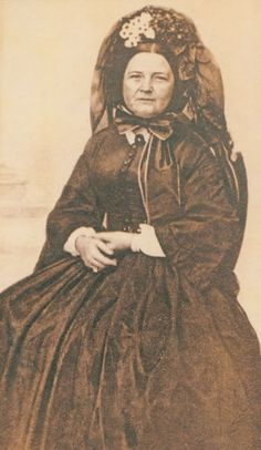 She wore this when her son Willie died in the White House in 1862 and again in 1865 after her husband was assassinated. Mary Todd Lincoln #abrahamlincoln