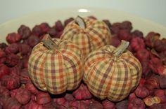 Primitive Thanksgiving Homespun Pumpkins Ornies by Pebblebrooklane