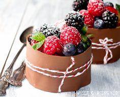 Chocolate Berry Cake, so beautiful!!