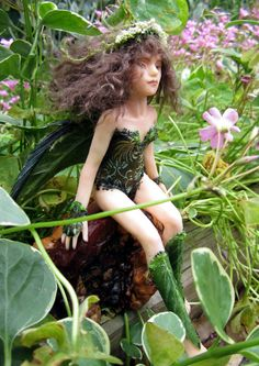Patia the Leaf Fairy OOAK hand sculpted fairy by CrescentHollow at Etsy.....I love this!!