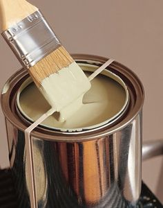 Wrap a rubber band around your paint can to stop drips and to prevent paint from drying in the lid!