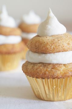Mini Snickerdoodle Cupcakes with Sour Cream Frosting