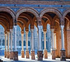 colleges, plaza de, arches, de españa, architecture, travel, blog, place, spain