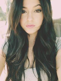 Natural makeup on Kylie Jenner