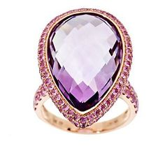 We can't take our eyes off of this gorgeous ring!!