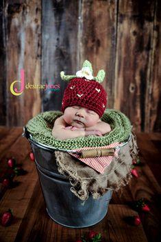 Custom Order Crochet Strawberry Hat photo prop Newborn and Baby Photography props #Snipits #Snipitsink #DesiraeJonesPhotography