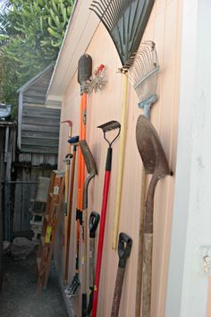 So you've mastered your lawn, and your garden looks like it could be in a magazine. Now what to do with all these odd, awkwardly shaped tools? Blogger Karah from The Space Between demonstrates a very easy way to store your garden tools and save valuable space in your shed. || @kbunde