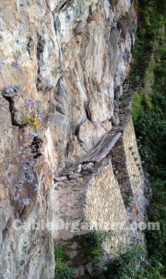 Extreme #inca trail in #Peru (2ft wide, 1500 ft vertical drop)