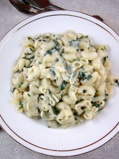 Macaroni with Spinach Sauce