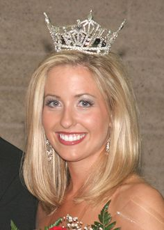 """Dustin Leigh Seltzer (née Konzelman), '05, was the Miss California contestant in the 2006 Miss America Pageant and was also a contestant on """"The Amazing Race."""""""