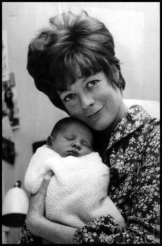 Maggie Smith + newborn son Toby Stephens - 1969