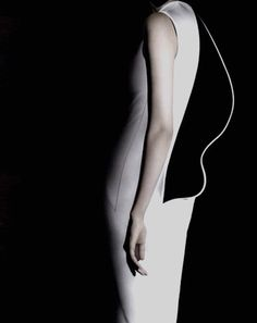 Sculptural Fashion - artful dress back detail with contrasting lining and contoured shape; 3D fashion // Jil Sander
