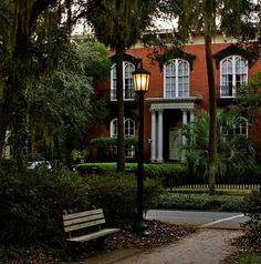 books, favorit place, houses, charms, park benches, mercer hous, southern charm, homes, savannah georgia