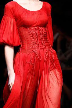 lesbeehive:  Les Beehive – Dolce & Gabbana and McQ Alexander McQueen End Milan Fashion Week