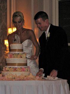 Lindsey's beautiful wedding cake