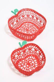 sass & belle crochet apple bowls: crochet AND apples