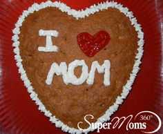 Cupid's Cookie - A fun idea to make with your kids that can become a great Valentine's Day gift. Tag: Valentines Day Recipes for Kids | Valentines Day Treats | Easy Valentines Day Recipes