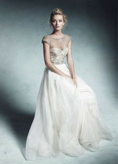 Collette Dinnigan Lattice Pearls and Beaded Bodice Wedding Gown Size 6 - Nearly Newlywed Wedding Dress Shop