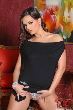 Eve Angelin a sexy black Dress #NSFW