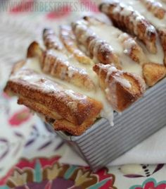 cinnamon pull-apart bread with glaze
