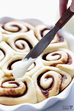 1-Hour Easy Cinnamon Rolls Recipe!