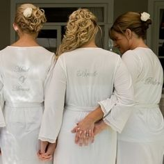 What does it mean to be a bridesmaid or maid of honor? We break down their duties big and small. (One day I will be happy I re-pinned this)