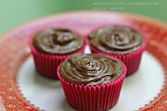 : CUPCAKES DE BANANA E CHOCOLATE