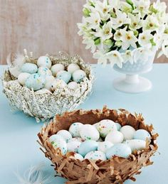 DIY nests for Easter eggs. Very cute Easter centerpiece idea!