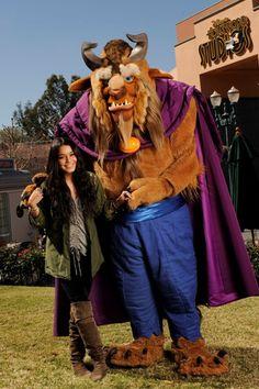 Vanessa Hudgens hits Disney World