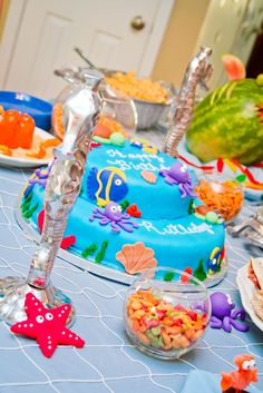Under the Sea party food. Cake!