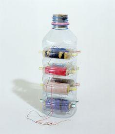 plastic bottle thread (ribbon?) dispenser #upcycle #organisation