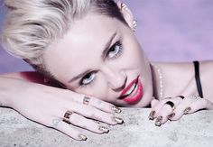 Loooooving Miley's nails in her new music video.