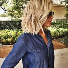 textured blonde chop