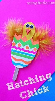 Hatching Chick Craft for Kids! #Easter art project | http://www.sassydealz.com/2014/03/hatching-chick-craft-using-popsicle-sticks-easter-egg.html
