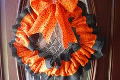 Fabric Halloween Wreath, So Easy.
