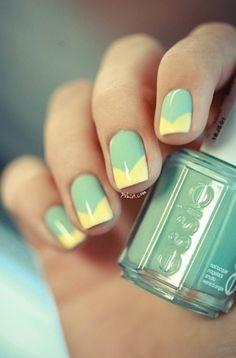 Green & Gold Nails!