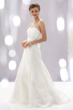 A-line organza sleeveless bridal gown