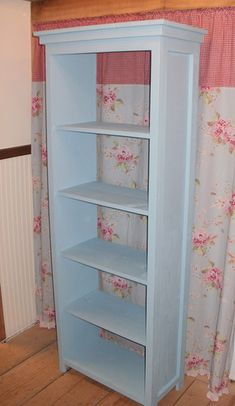 The Favorite Bookshelf - DIY Must make this!!!