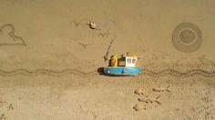 GULP! Es un cortometraje creado por la ciencia de Aardman (http://www.aardman.com/), que representa a un pescador va de su pesca diaria. Filmada en locaciones en Pendine Beach en el sur de Gales, cada fotograma de la animación stop-motion fue capturado con un Nokia N8, con su cámara de 12 megapíxeles y óptica Carl Zeiss. La película ha roto un récord mundial para el más grande juego de animación Stop-Motion ', con el más grande de la escena se extiende a más de 11.000 metros cuadrados.