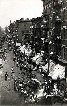 Hester Street on the Lower East Side, 1901.