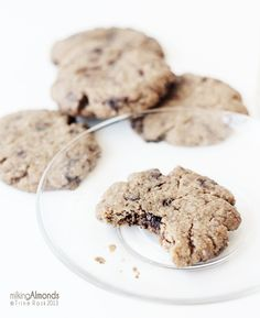 chewy chocolate chip almond cookies