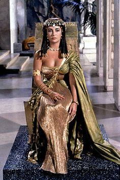 Elizabeth Taylor - Cleopatra She was so beautiful!