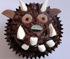 Make and Bake a Gruffalo Cake: Recipe and instructions to make and decorate an individual Gruffalo cake